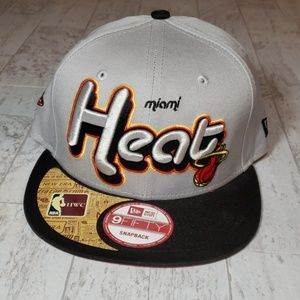 Miami Heat Snapback Hat * Gray